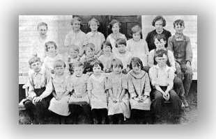 Augusta Wisconsin Dells Mill School in 1929